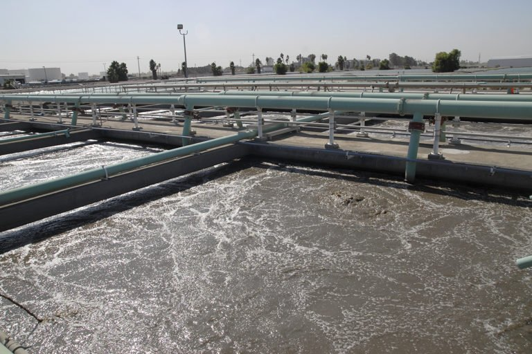 Water treatment plant in Fresno. Some rural communities in Fresno County lack similar plants. Photo by Eduardo Stanley